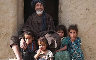 <span style='color:grey;font-size:13px;'>11.09.   mit Filmgespräch u. Imbiss</span><br/> Return to Afghanistan